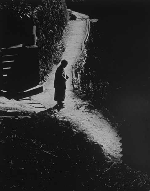 Woman at Crossroads, Japan, 1970 (J-09)