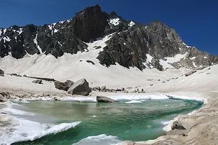 01-Alamkouh-lake.jpg