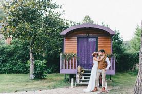Gypsy wedding shooting for qeenforaday.fr fashion blog