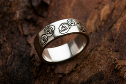 Engraved sterling silver ring