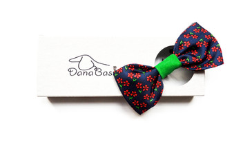 Red flowers bow tie necklace