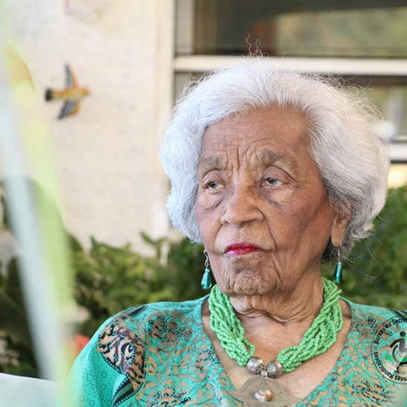 HELP ME WISH MY GREAT AUNT A HAPPY BIRTHDAY TANTE ODETTE 104❤❤❤❤