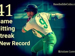El show de Prieto: Los números que han definido la racha de 41 juegos consecutivos bateando de hit