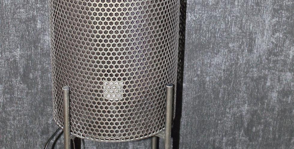 Lampe Metallröhre Schwarz auf Füße