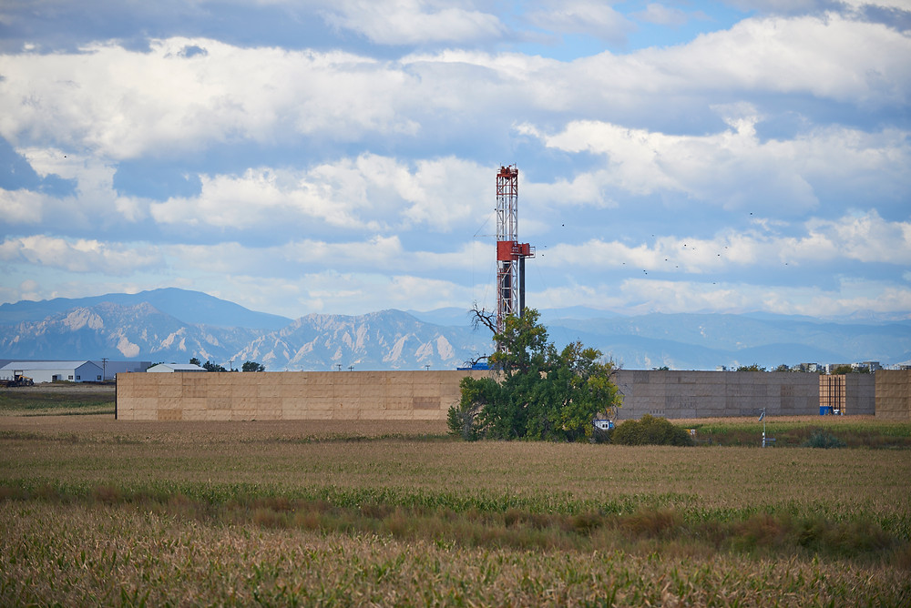 Encana Well with Sound Mitigation Flatirons View