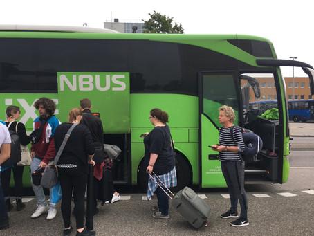 Alice neemt de Flixbus vanaf station Groningen naar Londen