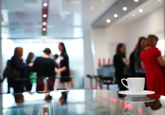 coffee-break-1177540_1920.jpg