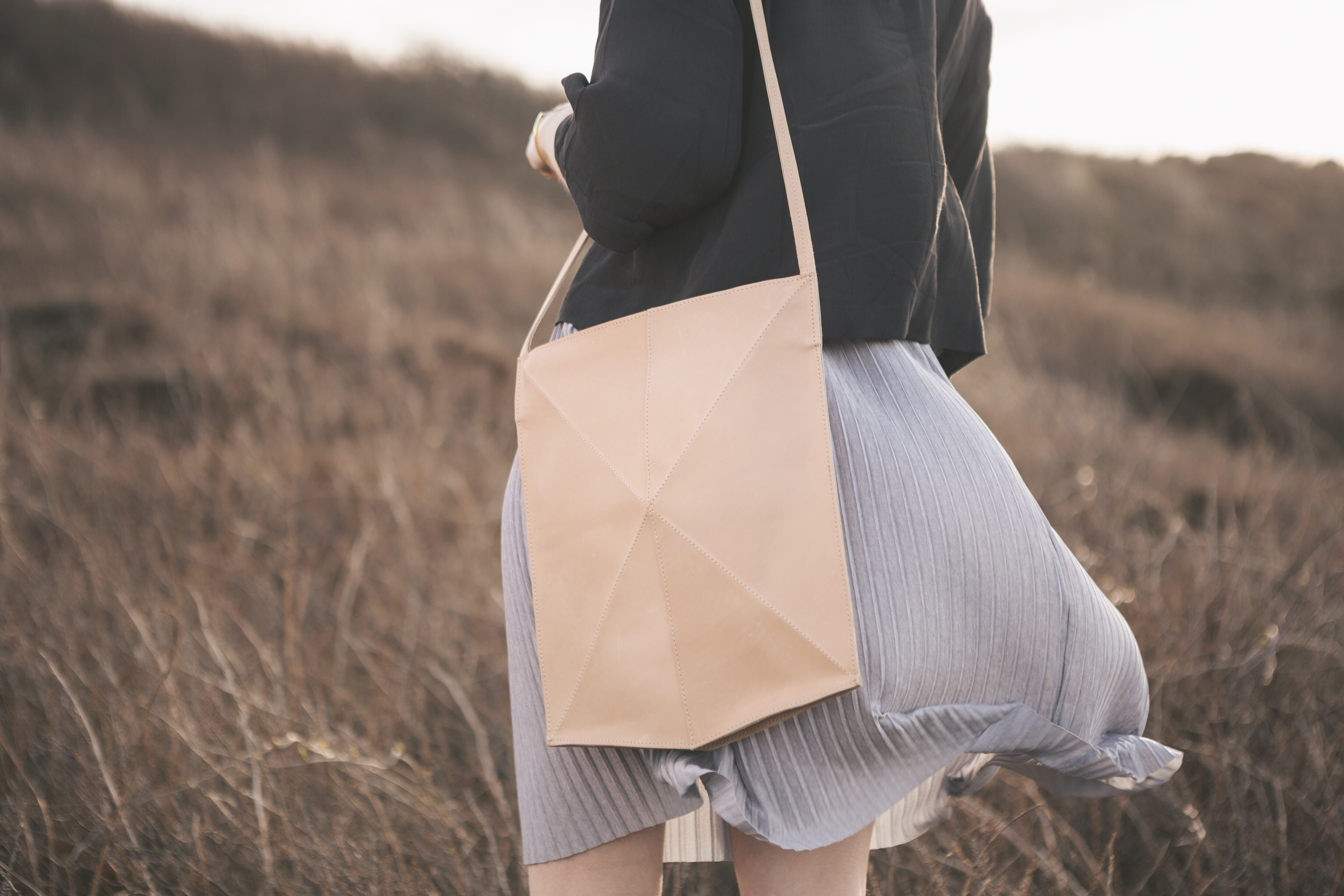shoulderbag_fold-nude1