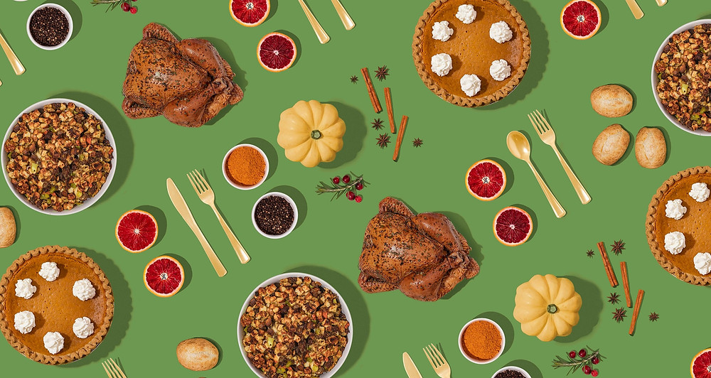 A graphic of a repeating pattern of thanksgiving food items