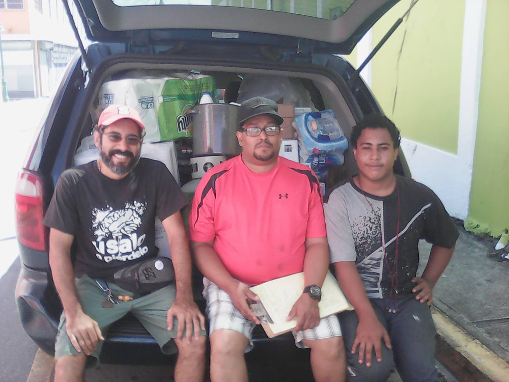 Kique, William y Vladimir, momentos antes de irse a Yabucoa
