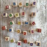 Sellitos de letras, otro material que si