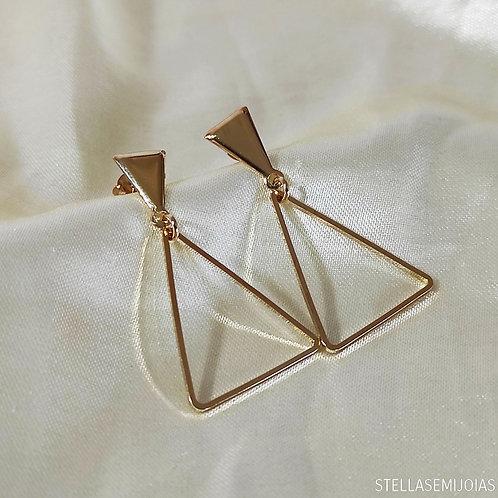 Brinco médio triangular
