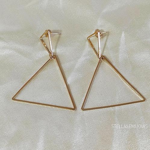 Brinco grande triangular