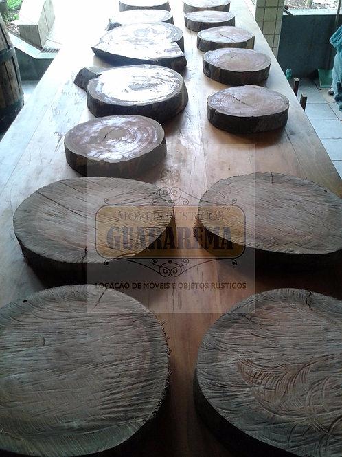 Bolacha de madeira rústica média (25 x 7 cm).