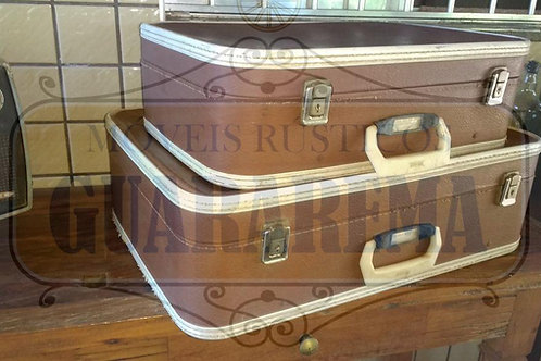Mala antiga vintage marrom e branca 0,50 x 0,34 x 0,16m para decoração retrô.