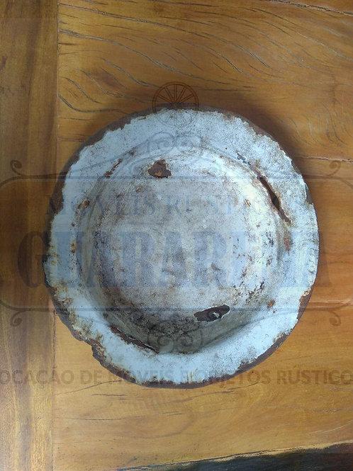 Prato antigo esmaltado para decoração (0,22m diâmetro).
