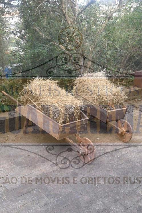 Carriola em madeira de demolição 1,66m x 0,72m x 0,43m x 0,54m