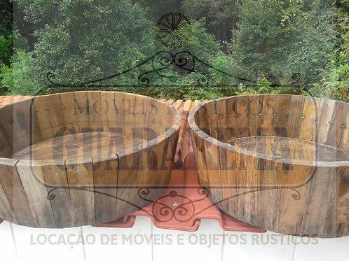 Tina de madeira (0,20m altura x 0,60m diâmetro superior x 0,53m diâmetro inf.)
