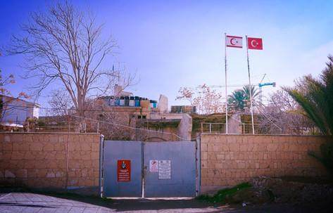 Zypern ist seit 1974 geteilt. Damit ist Nikosia/lefkosia die letzte geteilte Hauptstadt Europas.