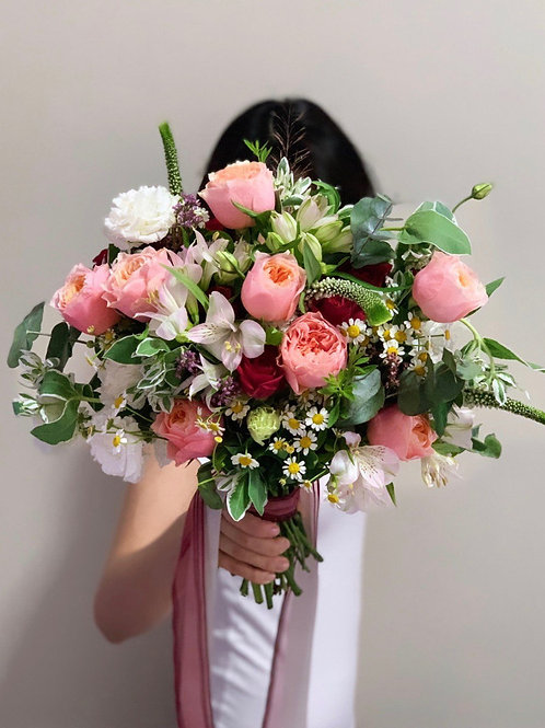 O'Hara Butterfly Roses Bouquet