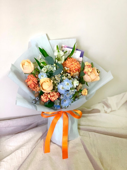 Freestyle Champagne Rose Bouquet