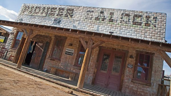 Nevada's 155th Birthday: extraterrestrials, burners, ghost-hunters, foodies & mountaineers invited