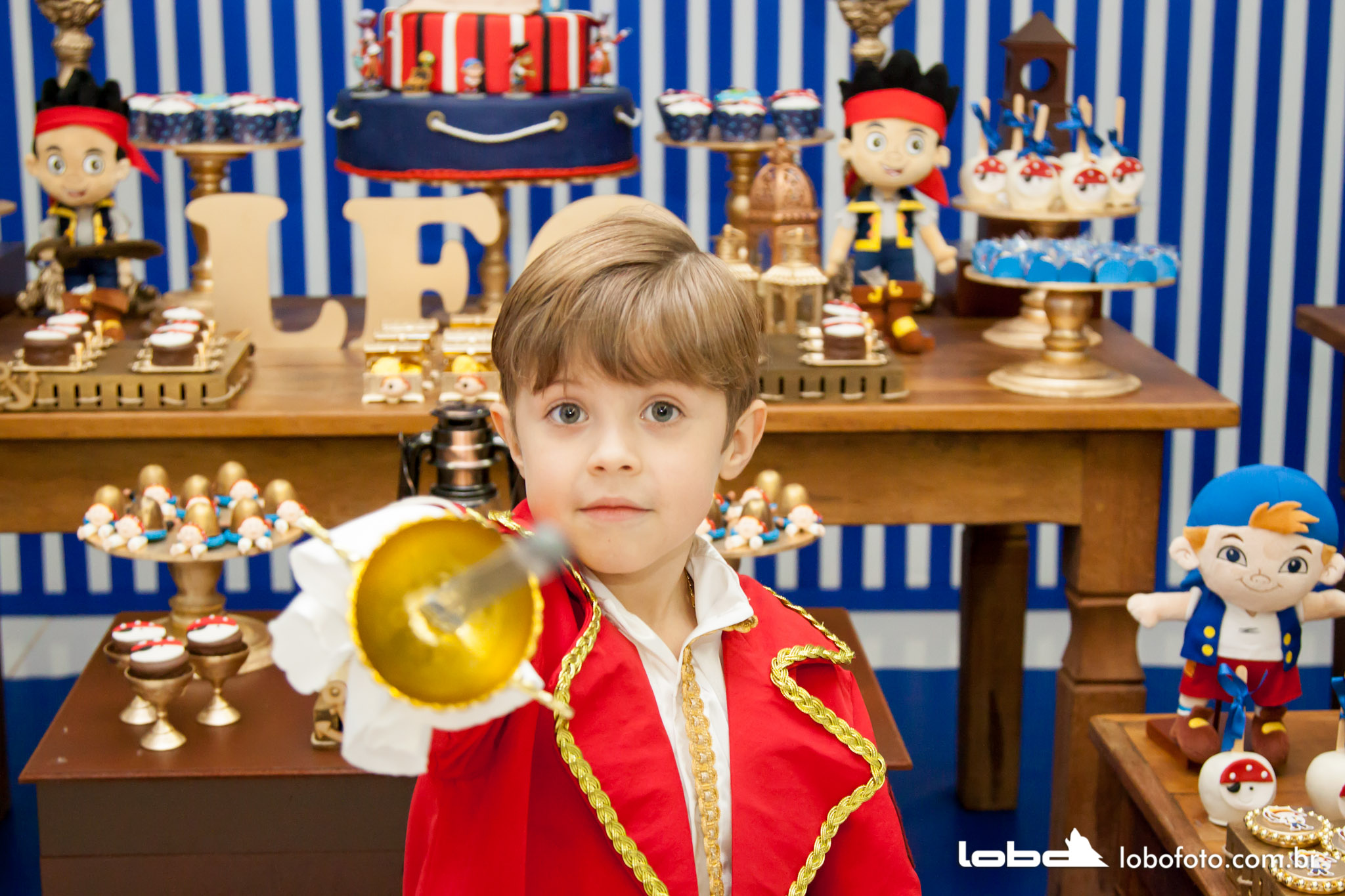 Lobo Foto - lobofoto5@gmail.com