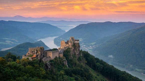 Aggstein (Sunrise Colors)