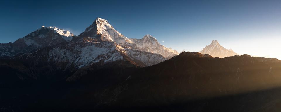 Annapurna Himal in the Morning Sun.jpg