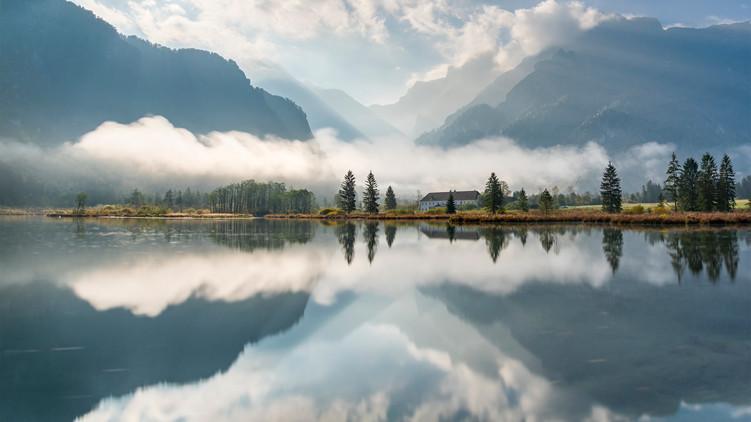 Lake Almsee.jpg