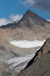 Ala-Kul Mountains and Glacier.jpg