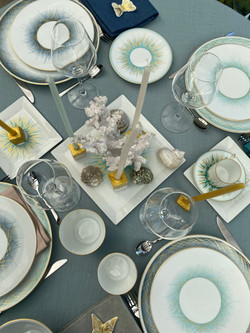 Herbes Folles table setting