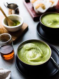 Almond-Matcha-Green-Tea-Latte-kitchencon