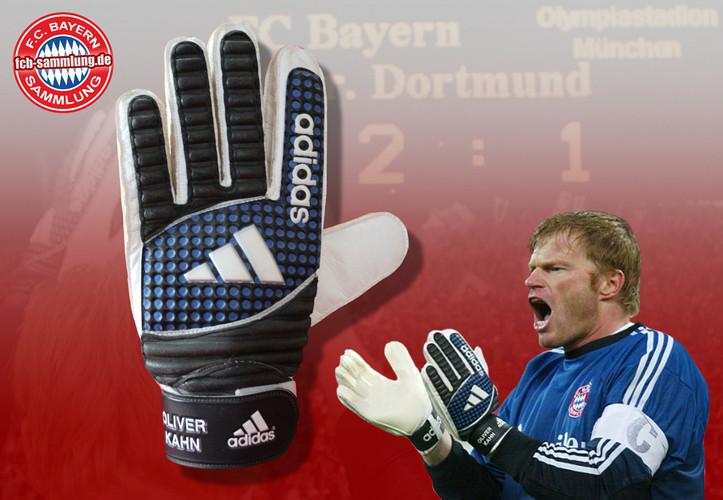 Torwarthandschuh von Oliver Kahn aus dem Bundesligaspiel FC Bayern - Borussia Dortmund am 9. November 2002