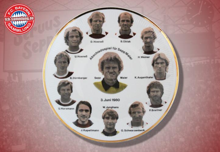 Abbildung der Spielerportraits vom Abschiedsspiel für Sepp Maier am 3. Juni 1980 gegen die Deutsche Nationalmannschaft  Durchmesser 19 cm