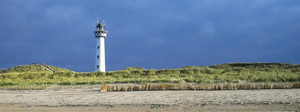 Egmond_aan_Zee_-_lighthouse_panorama_05.
