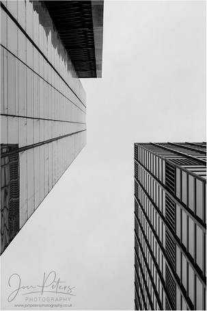 London_Looking Up_