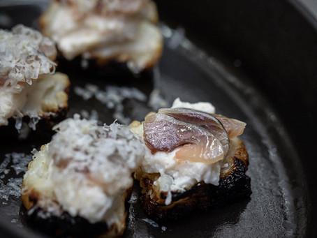 Chou-fleur, Sashimi de Sardine fumées & scarmoza par Romain Meder