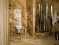 Spodní pokoj menþí_koupelna_2