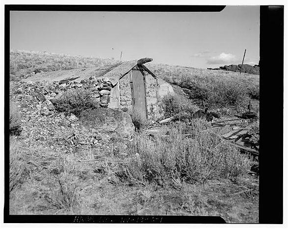375159pr-Bell FamilyDugout-East slope of