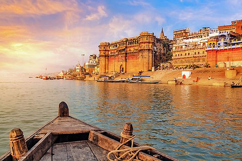 india-varanasi-best-places-to-visit-gang