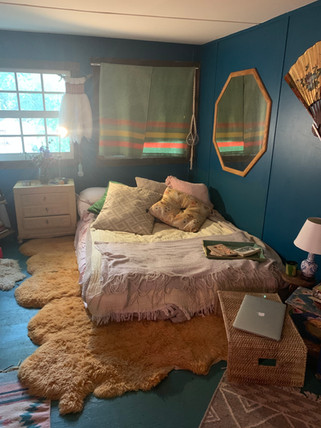 Katies room.JPG