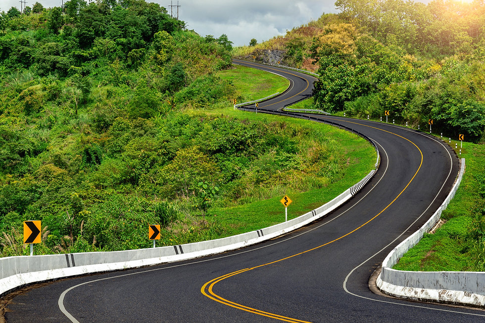 road-no-3-top-mountains-with-green-jungl