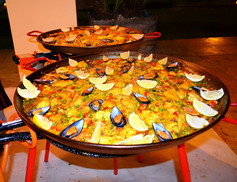 2 tipes of paella.
