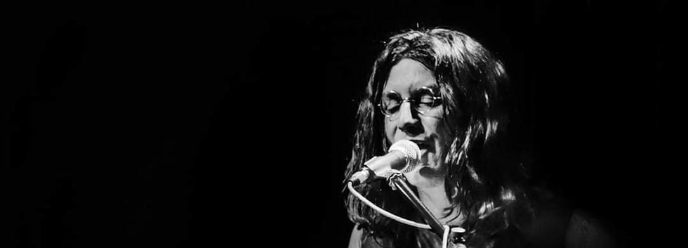 Lennon tribute piano