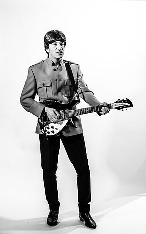 John Lennon Tributes Gaz Keenan in Shea Stadium outfit 2