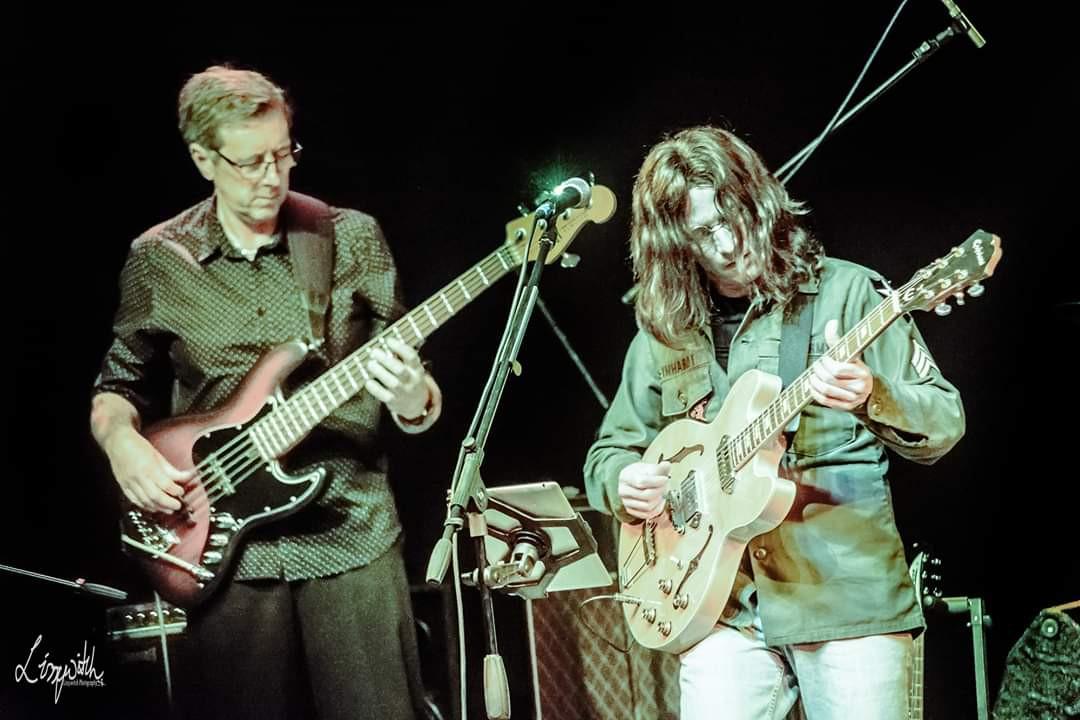 Lennon Tribute UK - the band live