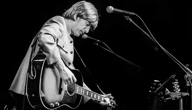 John Lennin Tribute Live on Stage