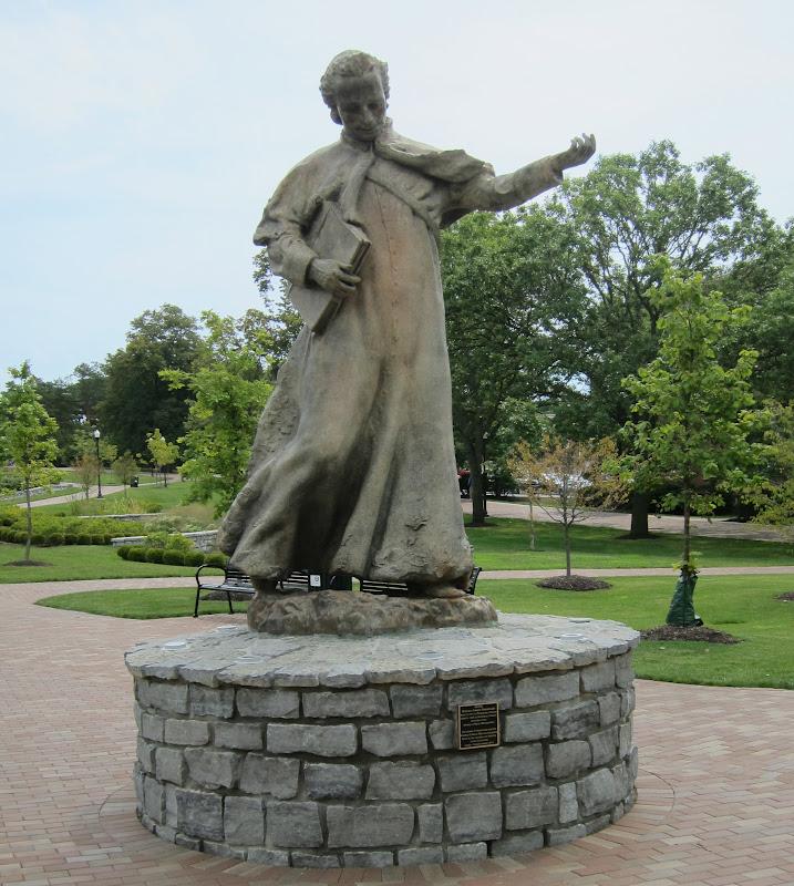 udchaminade statue