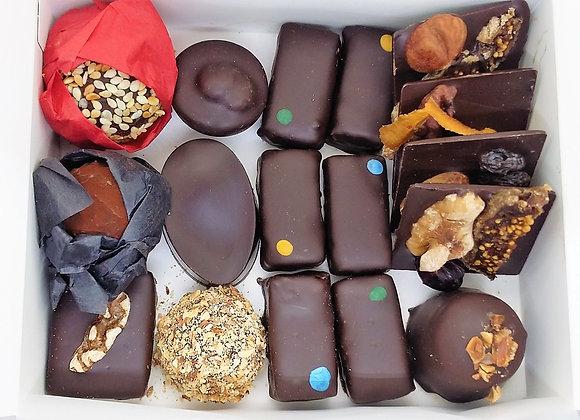 Box of 15-17 vegan chocolates + 1 bar